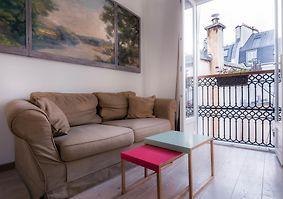 HOTEL DU LYS, PARIS **